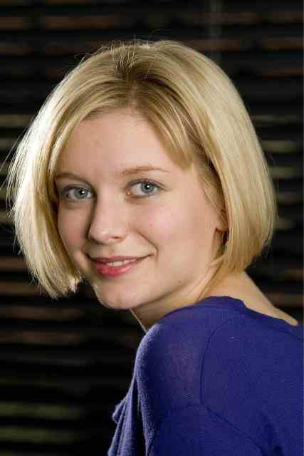 rachel_riley__portrait_photoshoot_2009__gAEVCAqn.sized.jpg