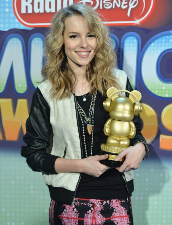 Bridgit+Mendler+2013+Radio+Disney+Music+Awards+W-yJo1AoLlTx.jpg